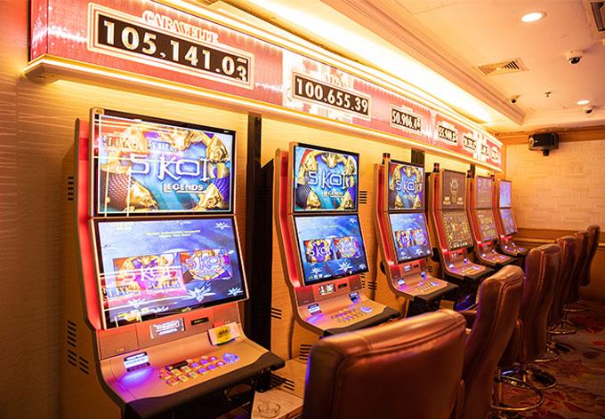 slot machine in vegas club