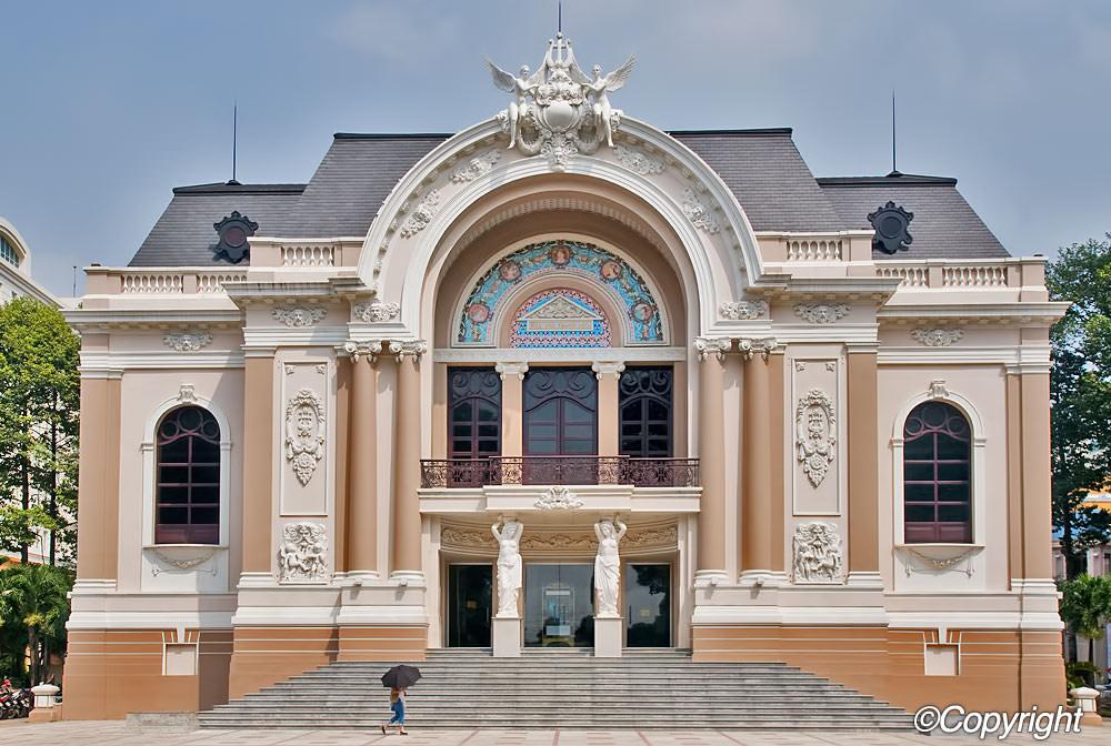 http://static.asiawebdirect.com/m/bangkok/portals/vietnam/homepage/opera-house/allParagraphs/BucketComponent/ListingContainer/202/BucketList/0/image1/Ho-Chi-Minh-Opera-House-6.jpg