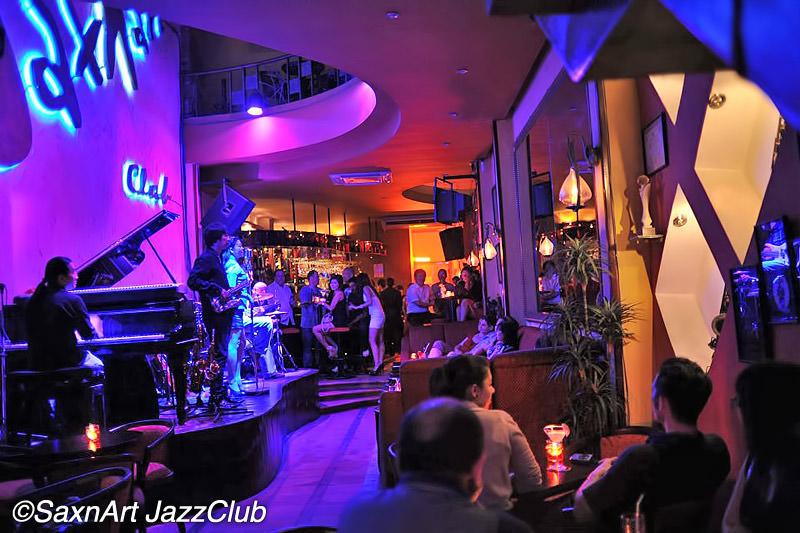 http://static.asiawebdirect.com/m/bangkok/portals/vietnam/homepage/ho-chi-minh-city/nightlife/sax-n-art-jazz-club/allParagraphs/0/ListingContainer/0/image/sax-04.jpg