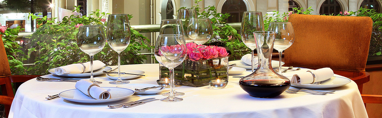 http://www.caravellehotel.com/content/user/8/images/1%20column/Reflections-Restaurant1360x420.jpg