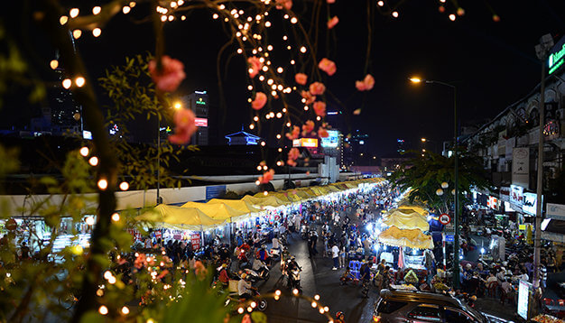 https://www.itourvn.com/images/easyblog_images/Night_markets_in_HCMC/Ben_Thanh.jpg